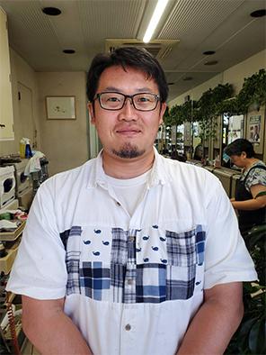 部長   成田浩一